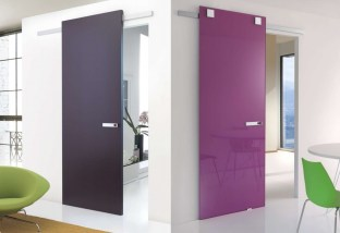 blue sliding and shiny purple sliding door συρόμενες πόρτες Loft mylofteu