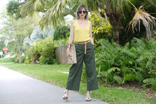 Alba Marina fashion blogger from Mylovelypeople blog shares with you how to combine a culottes pants from WhoWhatWear
