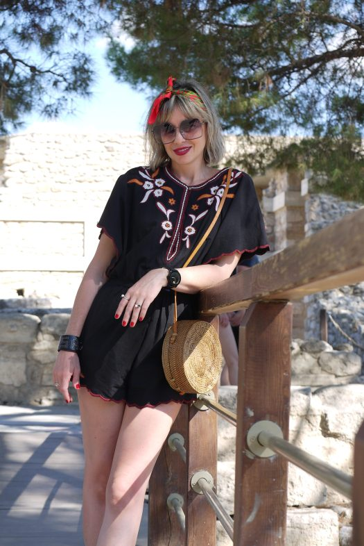 Alba Marina Otero fashion blogger from Mylovelypeople blog shares with you her recently trip to Greece and a little bit of history about Knossos Palace