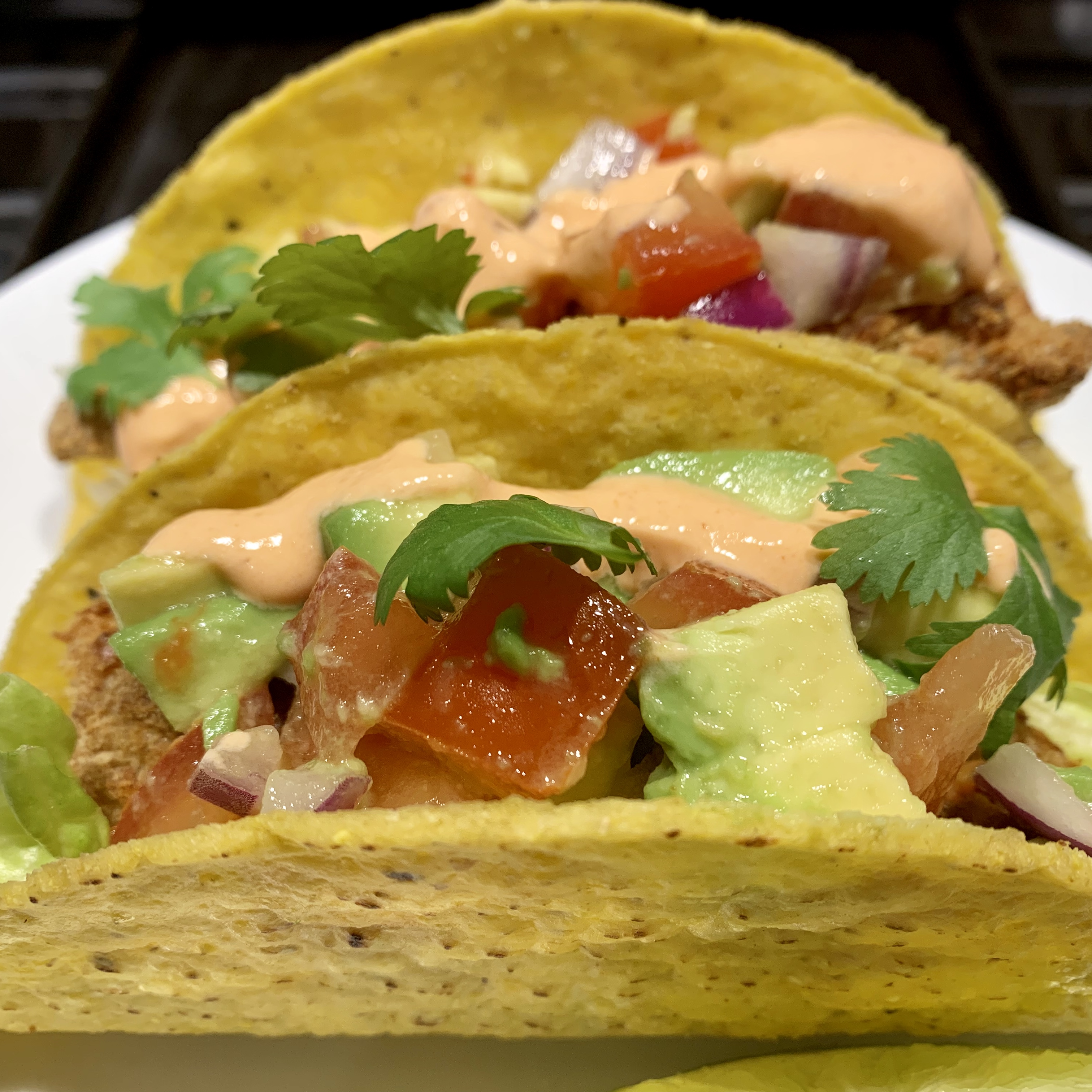 Get Your Healthy On with These Spicy Air Fryer Fish Tacos! via @susanmylovingoven.com