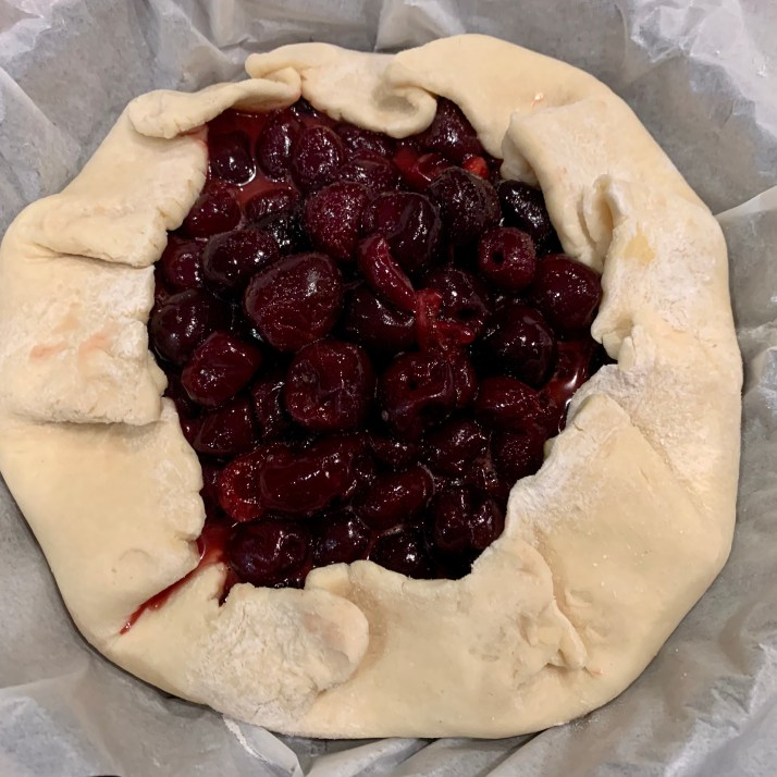 now gently fold the edges of the crust over the fruit filling