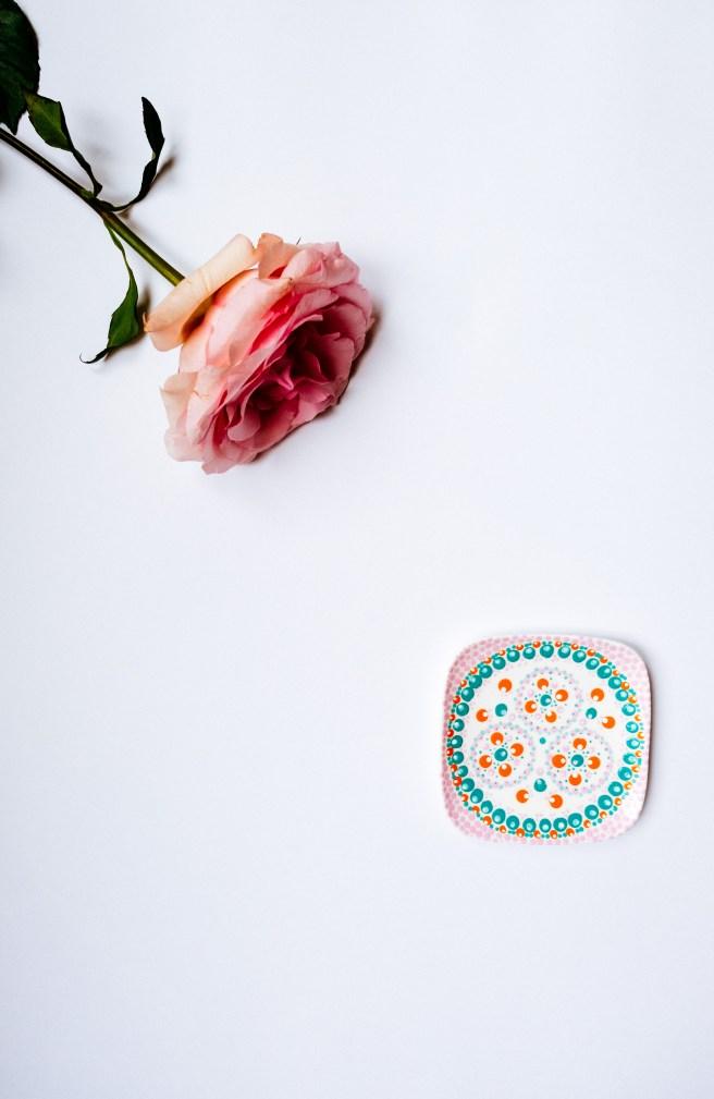 Bordje met bloem