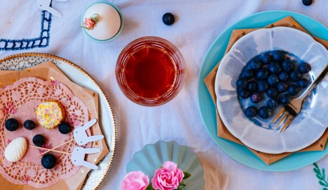 thee aan tafel