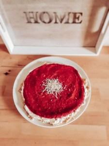 My Maisie Zuckerfreie Sahne-Beeren-Torte zum Dahinschmelzen! Super einfach und nur mit Obst gesüßt