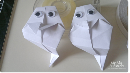 Make these easy origami Ghosts for Halloween #holloween ... | 253x450