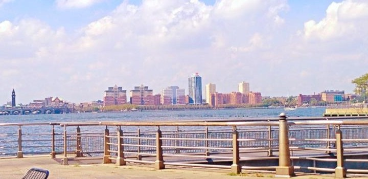 Hudson-River-Park-Cafe-view