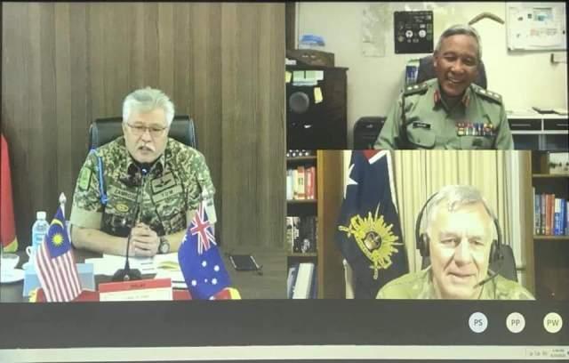 Virtual discussion session between General Tan Sri Datuk Zamrose bin Mohd Zain and his Australian counterpart Chief of Army, Lieutenant General Rick Burr.