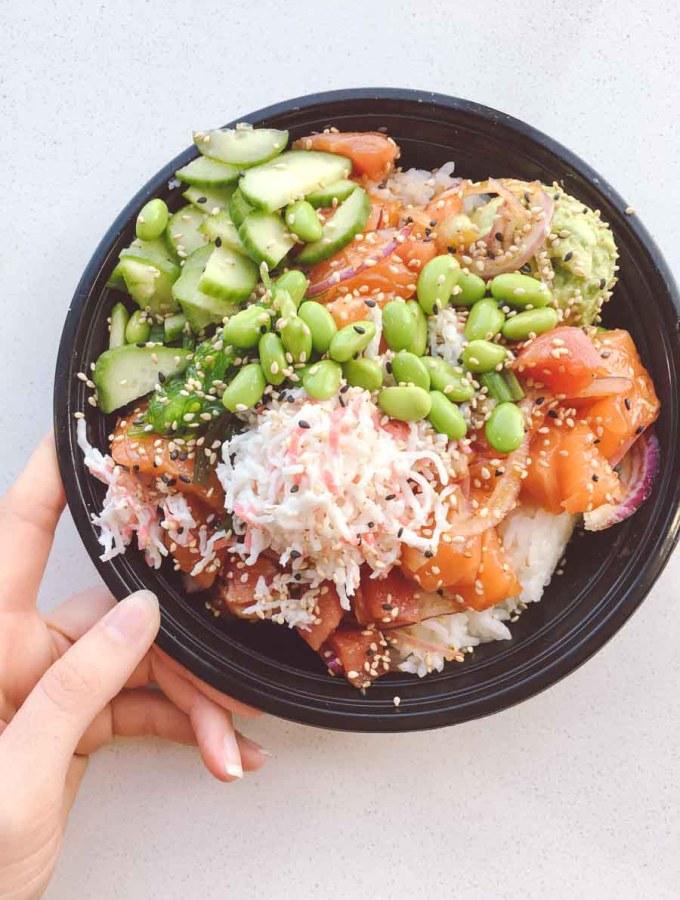 What a dietitian eats in a week - Poke bowl lunch