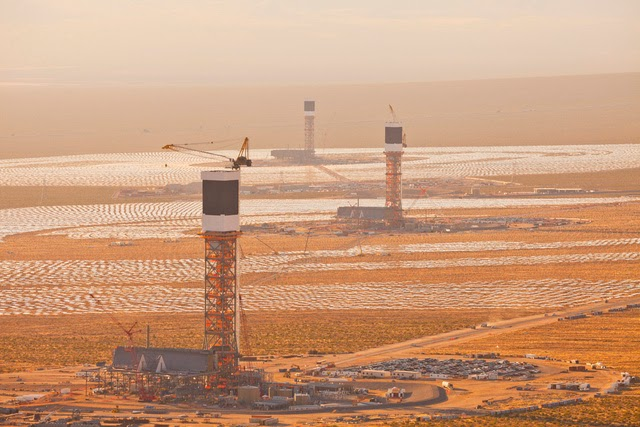 The-World's-Largest-Solar-Plant-Started-Creating-Electricity-Today-1