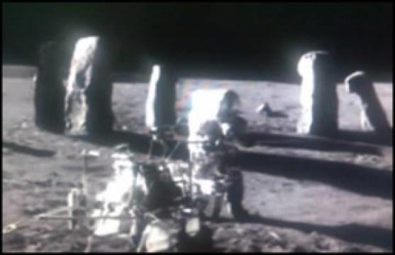 moon-ruins-1