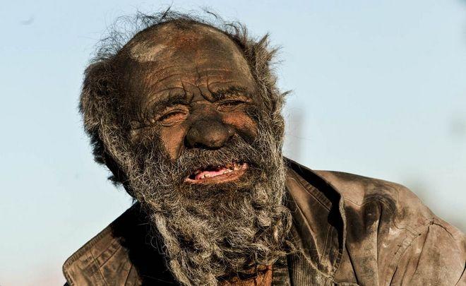 Amoo-Hadji-no-bath-for-60-years-4-HR