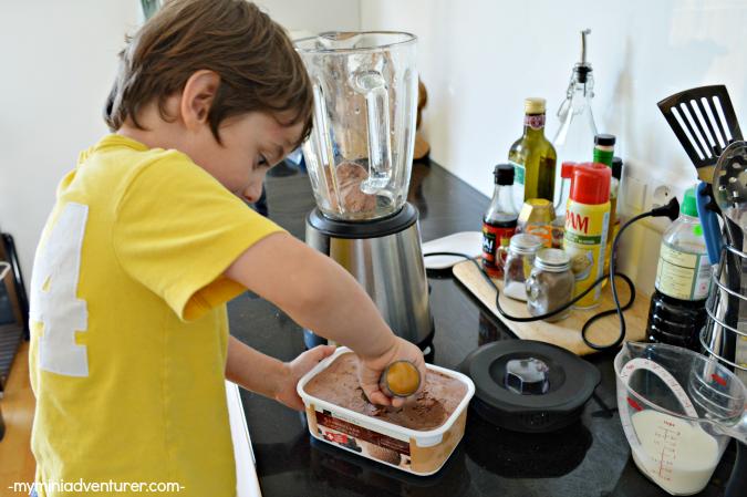 chocolate nutella milkshake scoop