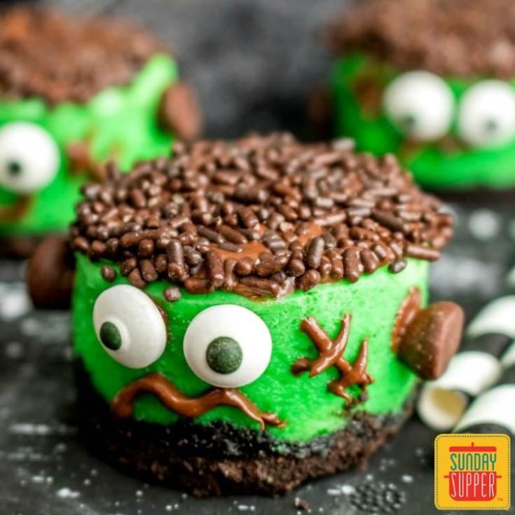 Halloween Mini Cheesecakes #SundaySupper
