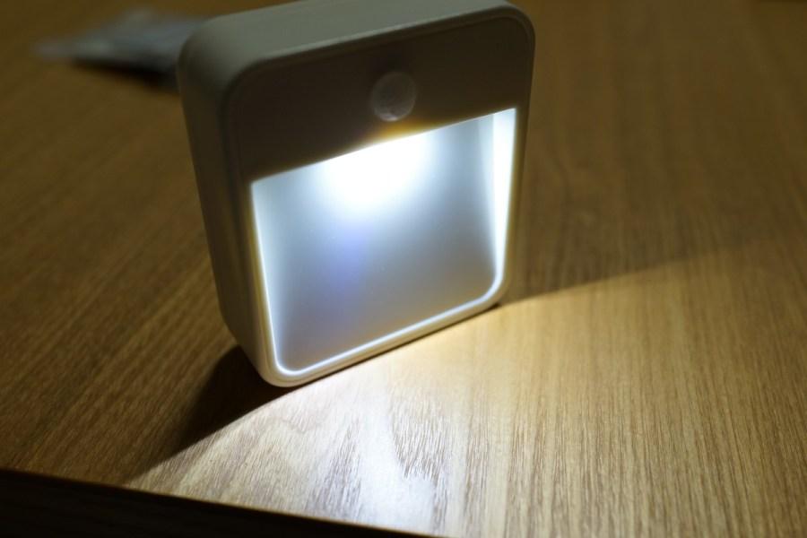 dodocool  壁掛け式人感センサー付きLEDナイトライト レビュー