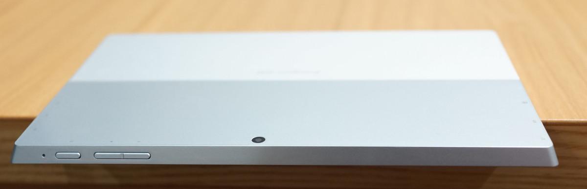 Jumper EZpad 5SE Tablet PC 実機レビュー 上から見たところ、電源ボタンなどの押し心地の説明