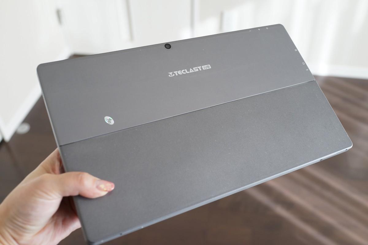 Teclast Tbook 16 Power 実機使用レビュー 背面の写真