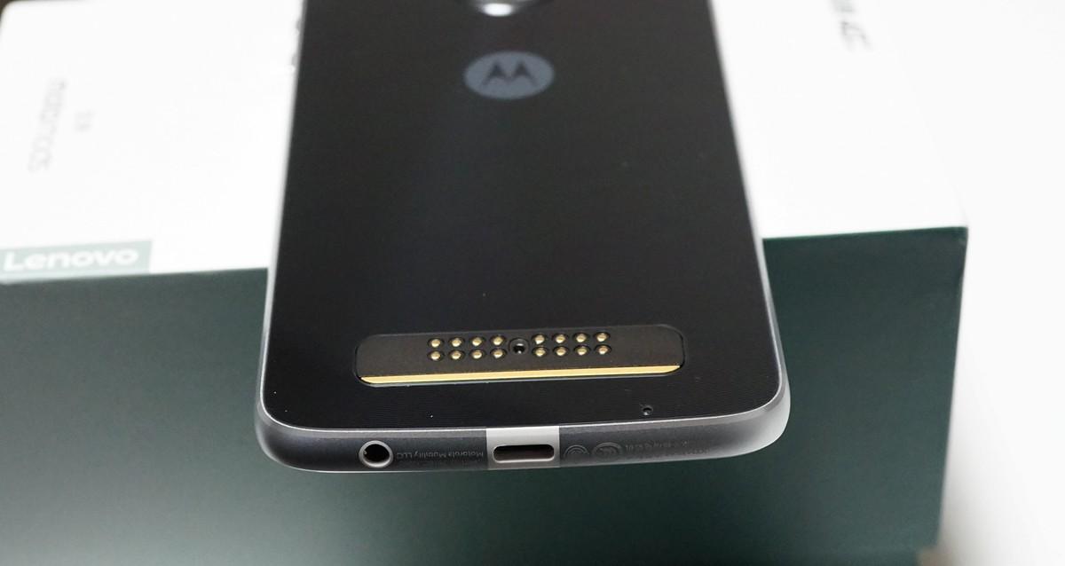 Lenovo Moto Z Play レビュー 外観写真参考2