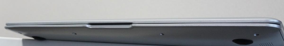 Jumper EZbook 3SE 実機レビュー 正面から見たところの写真