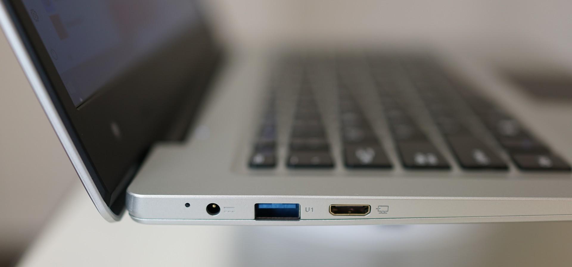 Jumper EZbook 3S 実機レビュー インターフェースの参考写真 左側