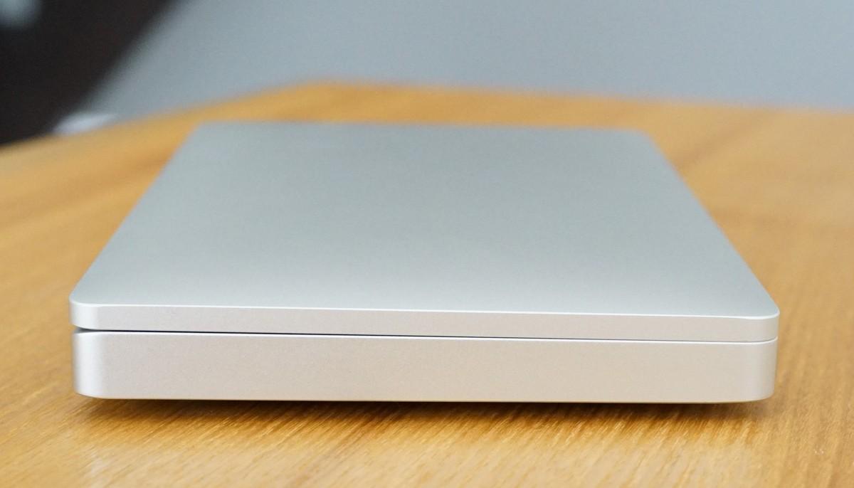 GPD Pocket の外観や同梱の商品の説明