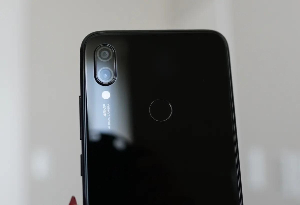 Xiaomi Redmi Note 7 レビュー カメラスペックは、リア:48.0MP + 5.0MP F1.8、フロント:13.0MP