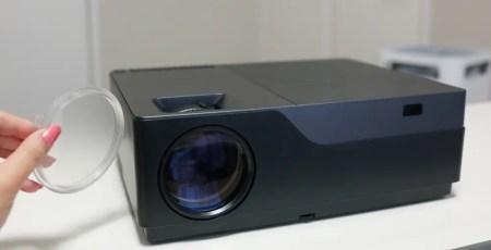 【セール価格$178.99】5500ルーメンでビジネス用途にも使える中華格安プロジェクター AUN M18 Full HD レビュー
