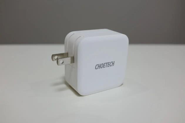 CHOETECHの65W対応PD充電+USB-Aの2口充電アダプターレビュー