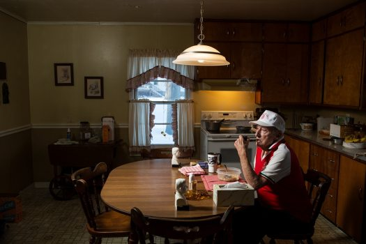 Fascinating Photos Document the Ritual of Weeknight Dinners