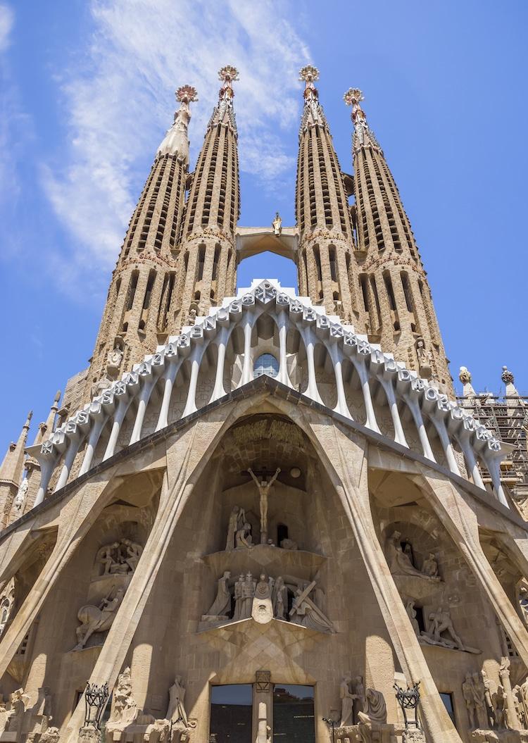 gaudi architecture sagrada familia barcelona