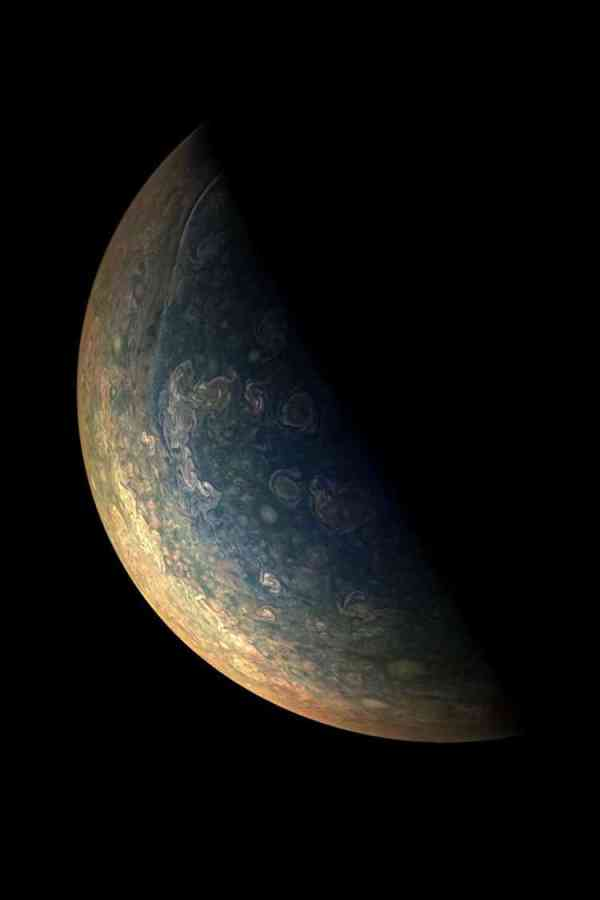 NASAs Juno Spacecraft Completed its Eighth Flyby Over Jupiter