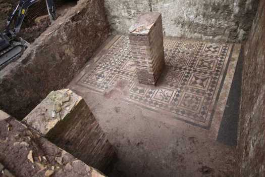 Commander's House Discovery - Ancient Roman Archeology