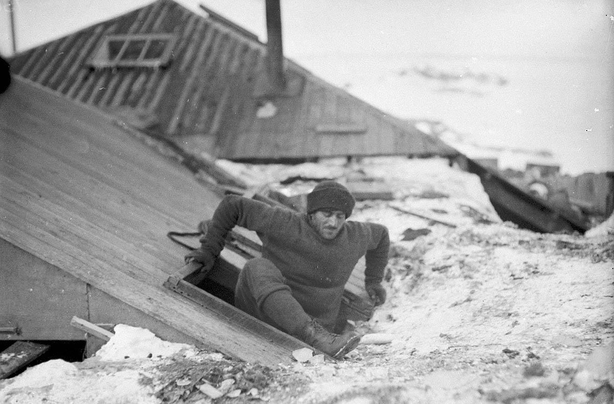 Vintage Photos From The Australasian Antarctic Expedition