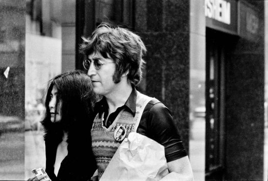Photo of Yoko Ono and John Lennon in New York by Jeff Rothstein