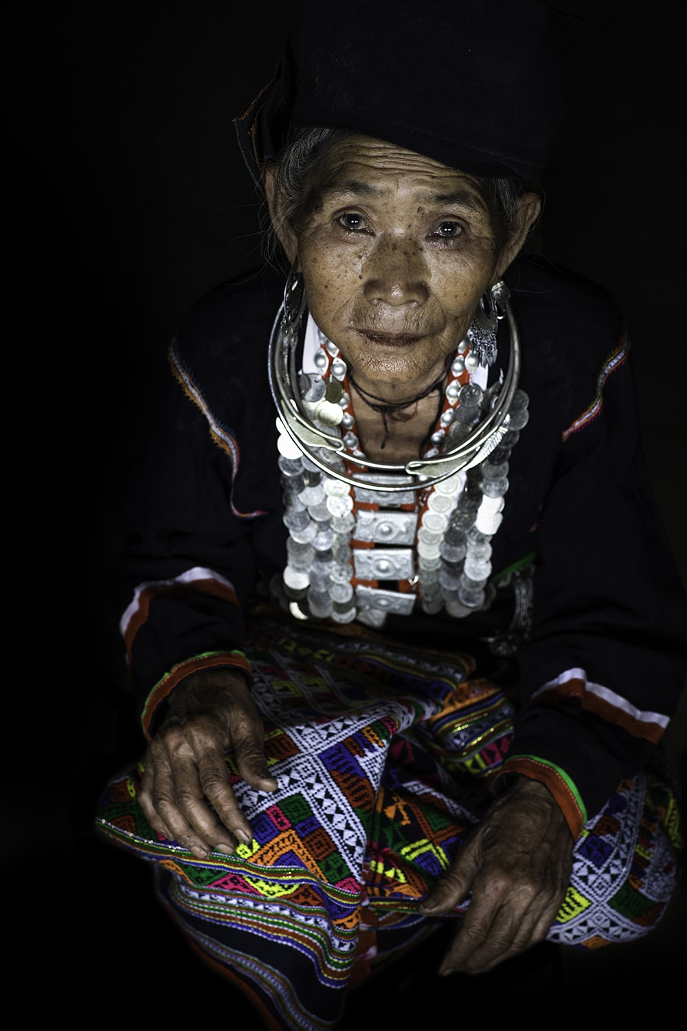 Portrait of woman from Kho Mu Ethnic Tribe in Vietnam by Réhahn