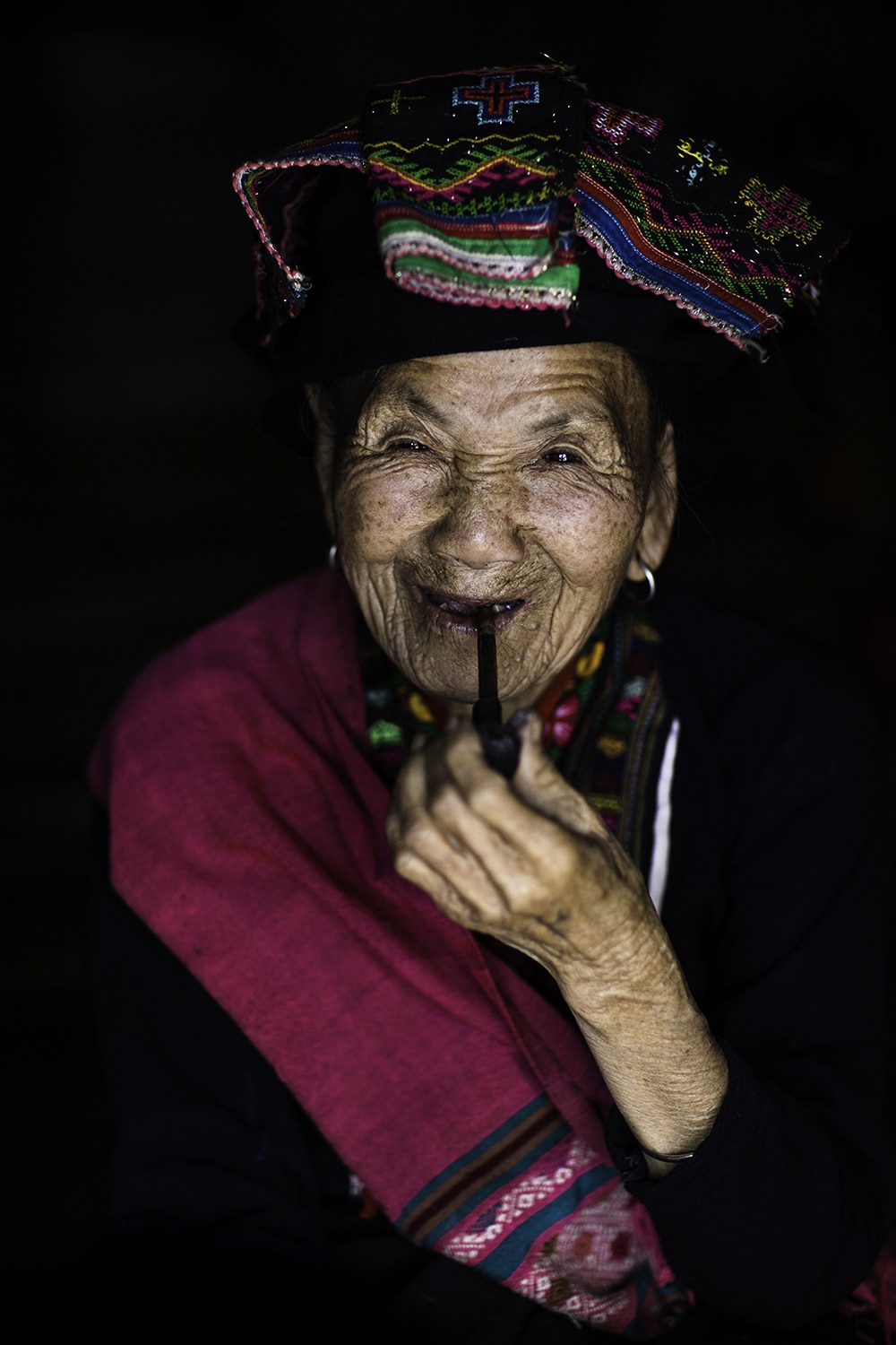 Portrait of woman from Lao Ethnic Tribe in Vietnam by Réhahn