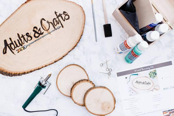 Caja de suscripción de arte y artesanía