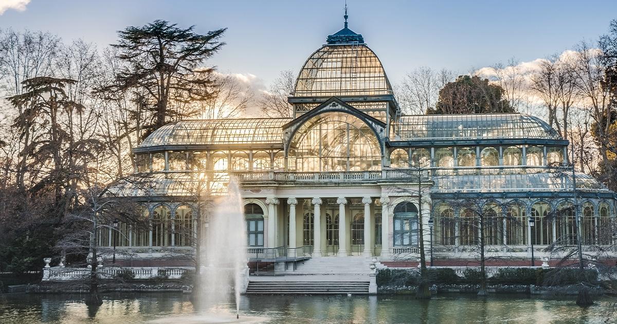 Palacio De Cristal De Madrid De Invernadero Exotico A Galeria De Arte