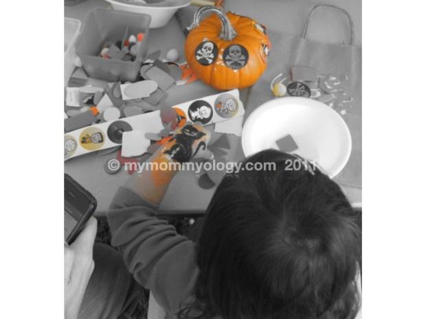 My Mommyology Artist at Work