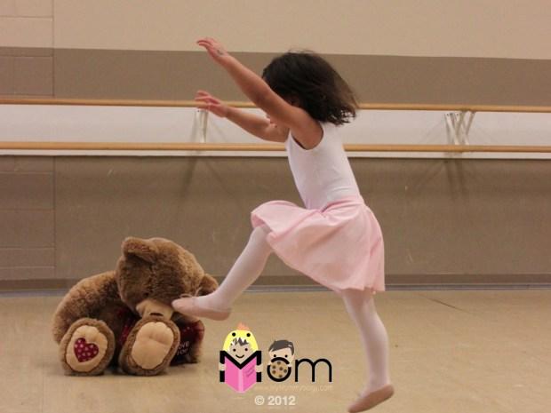 MY Mommyology Dancing Ballet