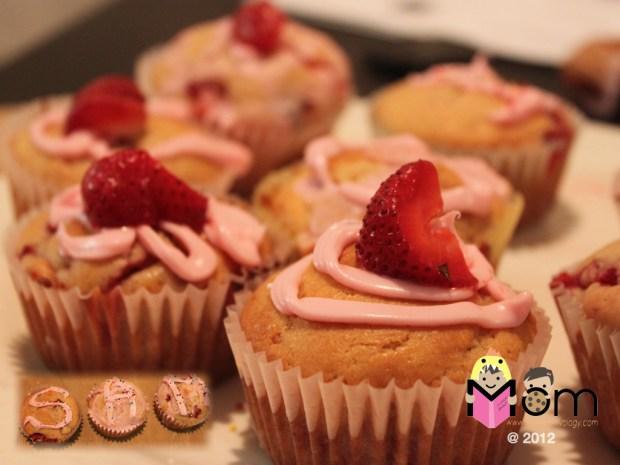 My Mommyology Homemade Strawberry Muffins
