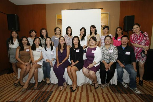 The Trusted Moms (and Dad!) with Brand people and Brand endorser Maricel Laxa-Pangilinan.