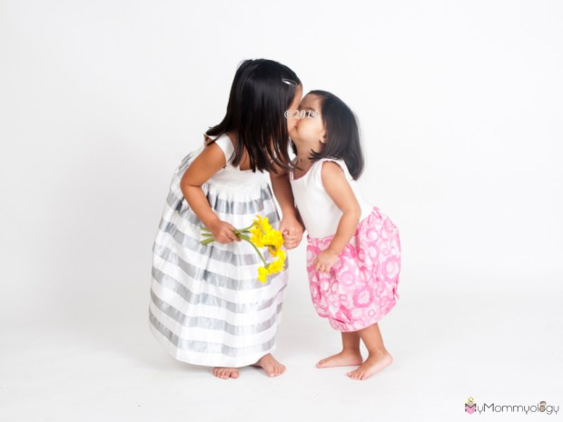 Always love the love between these two.  Photo Credit:  Ines Moda Infantil