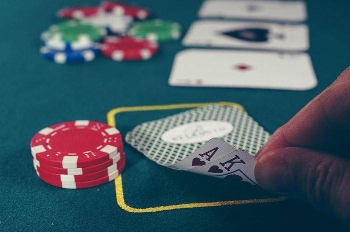 Poker vs stock trading poker nashville tn