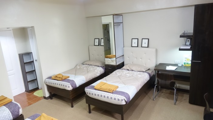 room-2-beds-inside