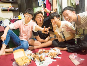 students-eating-enjoying