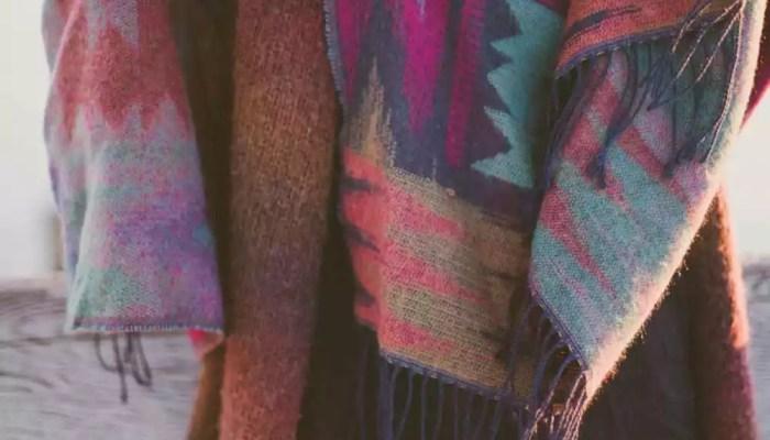 Оставайтесь модным, с племенными печатями