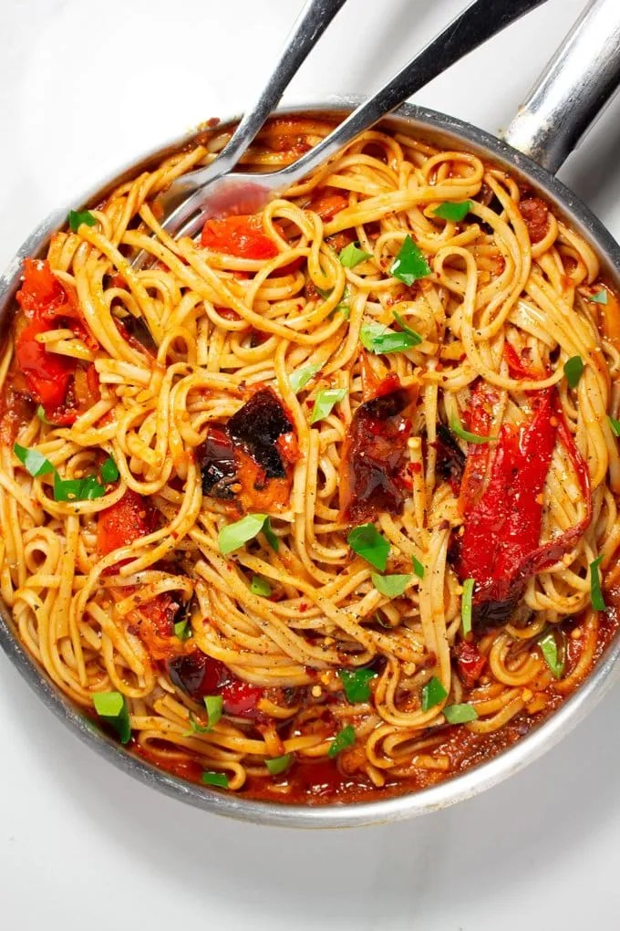 Moroccan Taktouka Pasta with Roasted Red Peppers and Fresh Basil leaves