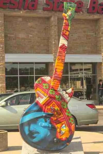 Carlos y la rana Azteca guitar