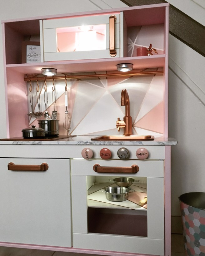 Diy Comment Customiser La Cuisine En Bois Ikea Duktig De