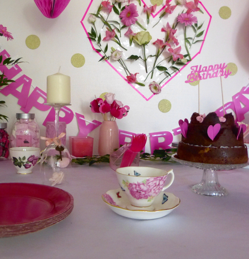 GIRLY SWEET TABLE